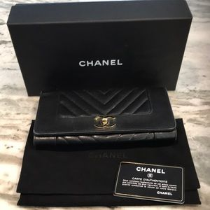 Chanel Mademoiselle Wallet Black/Gold